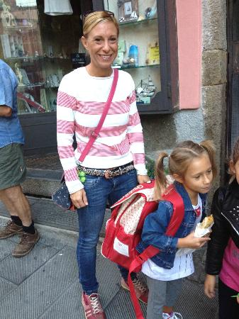 L'Arcobaleno : Our host Francesca and her darling daughter off to school