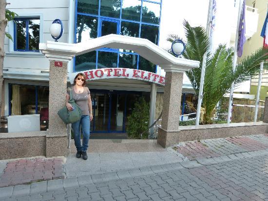 Elite Hotel Kucukyali: ingresso principale 