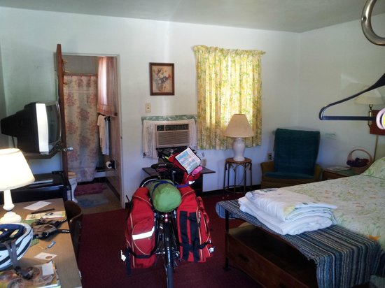 Mims, FL: My room and bike
