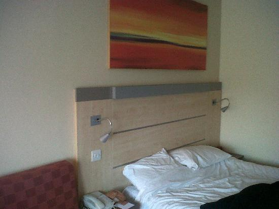 Holiday Inn Express Folkestone Channel Tunnel: room