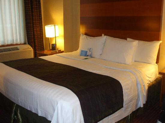 Fairfield Inn & Suites New York Manhattan/Times Square: Chambre