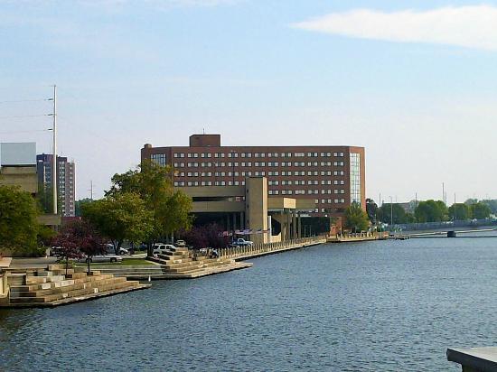 BEST WESTERN PREMIER Waterfront Hotel & Convention Center: Riverview