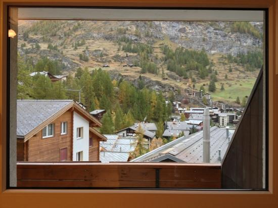 Artist Apartments & Hotel Garni: the view from the apartment kitchen