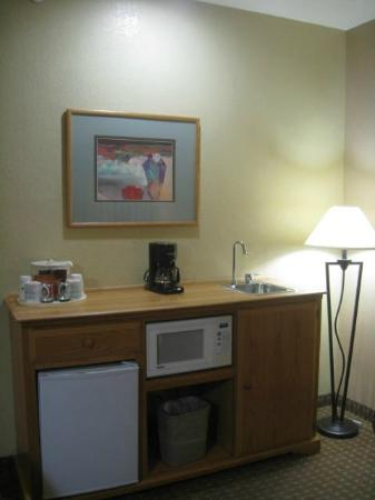 Best Western Turquoise Inn & Suites : Kitchenette