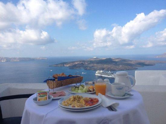 Aigialos Hotel: Breakfast :)