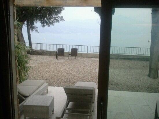 Hotel Baia dei Pini: Camera sul lago