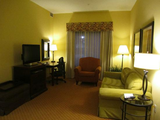 Homewood Suites Denver International Airport: Full Living Room