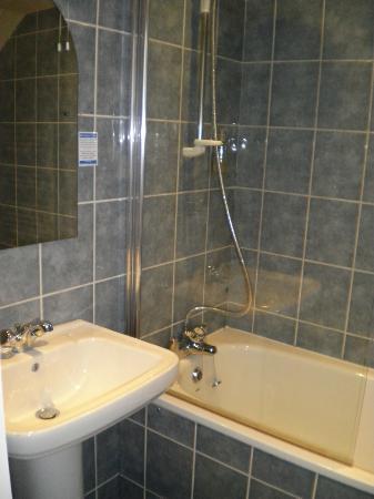 Kasbah: Shower