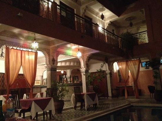 Riad Amssaffah: Dining area
