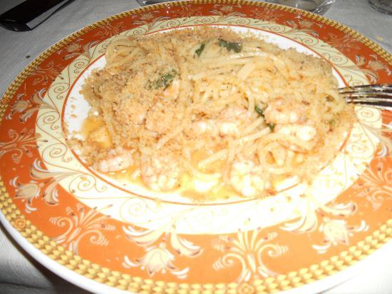 5 gradini: Spaghetti alla chitarra con gamberi e mollica