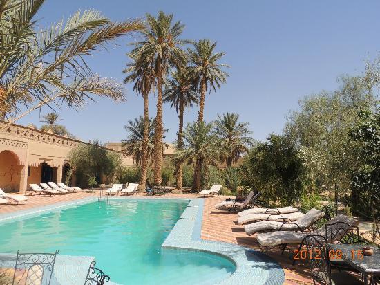 Kasbah Le: Espace piscine