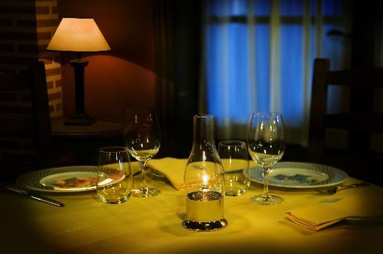 Hotel Restaurante Florida: mesa