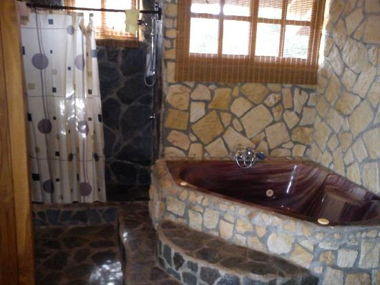 Hotel Mimos: Suite w/ Jacuzzi