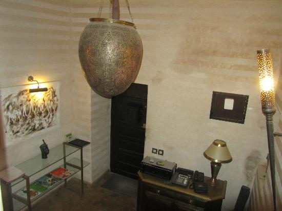 Riad Hermes: Entrée du riad, hall d'accueil