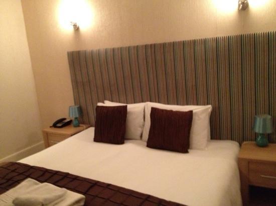 Bull Hotel - Woodbridge: room 6