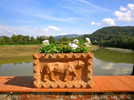 Villa La Massa: Overlooking Arno