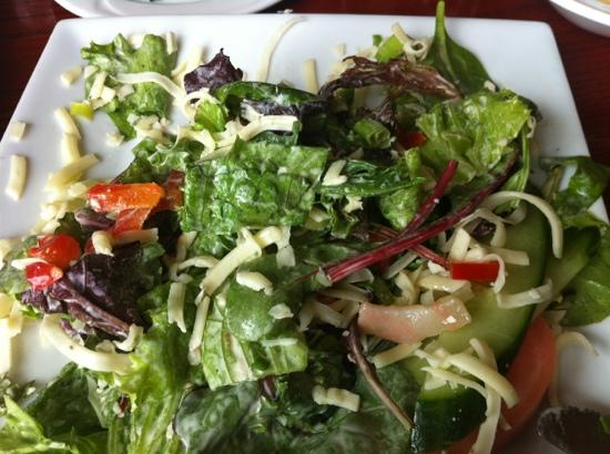 Auberge Willow: the salad with Oka cheese