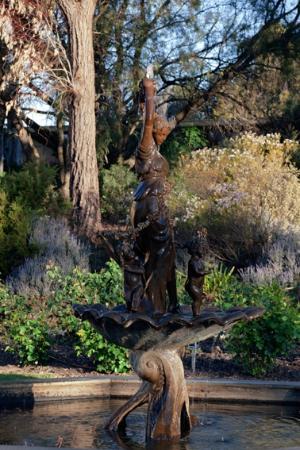 Lyndoch Hill: Barossa Chateau garden
