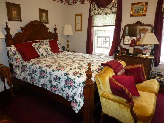 White House Inn Bed and Breakfast: Bedroom