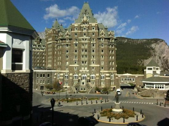 Fairmont Banff Springs : View from room 1963