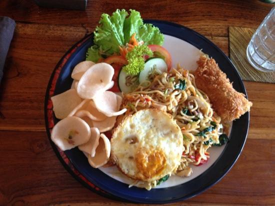 Nirwana Snack: Mee goreng. Yummy!