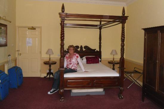 Old Bull Inn : Bedroom