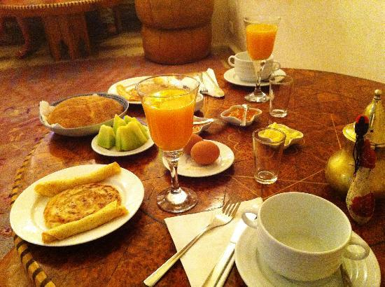 Riad Malaika: Breakfast