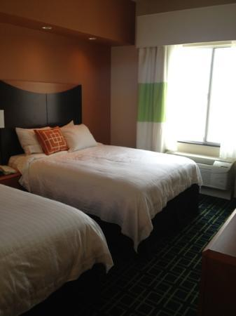 Fairfield Inn & Suites Visalia Tulare: Bedroom