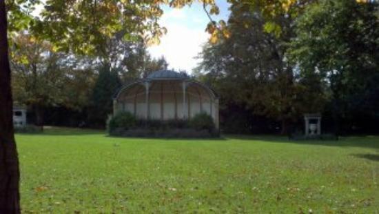 Royal Victoria Park: Bandstand