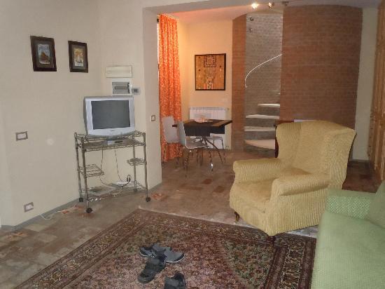 Hotel Villa Volpi: Private Villa livingroom into diningroom