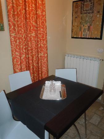 Hotel Villa Volpi: Dining room in Private Villa