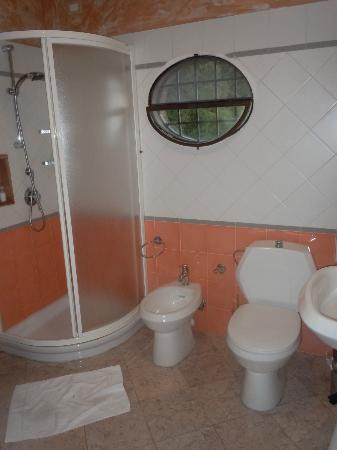 Hotel Villa Volpi: Bathroom in private villa