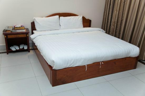 Asia Palace Hotel: Bed