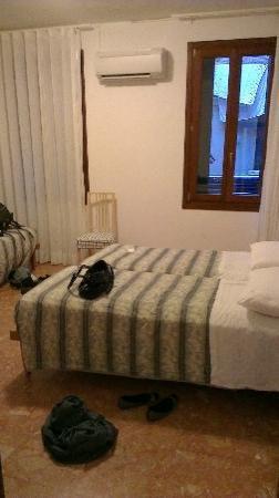 Hotel Guerrini : Bedroom