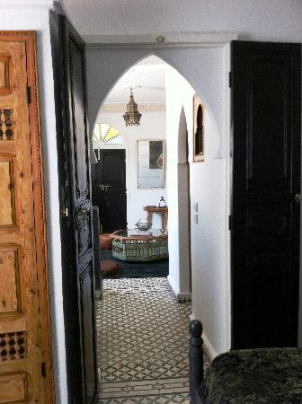 Riad Malaika: Suite hallway