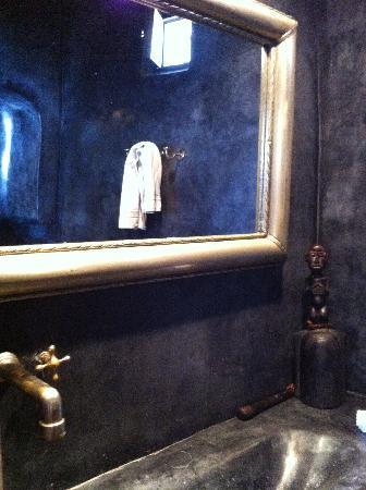 Riad Malaika: Sink