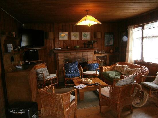 Hostal La Maison: Salon