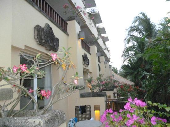 Kuta Paradiso Hotel: Balconys