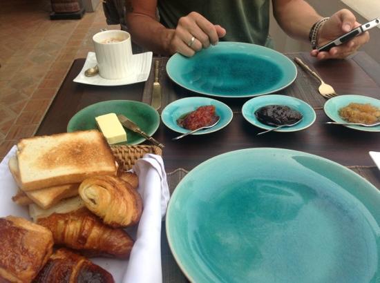 Satri House: breakfast