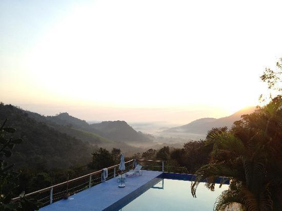 Pousada La Dolce Vita: Sun rise view at pousada