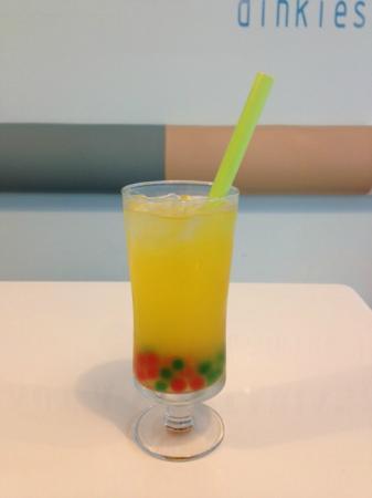 Dinkies: mango bubble tea!