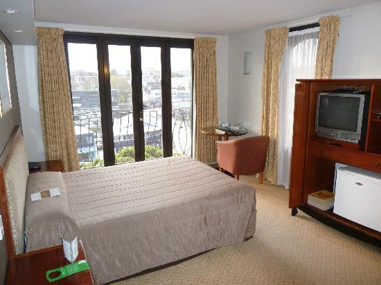 Copthorne Hotel Auckland City: The Room