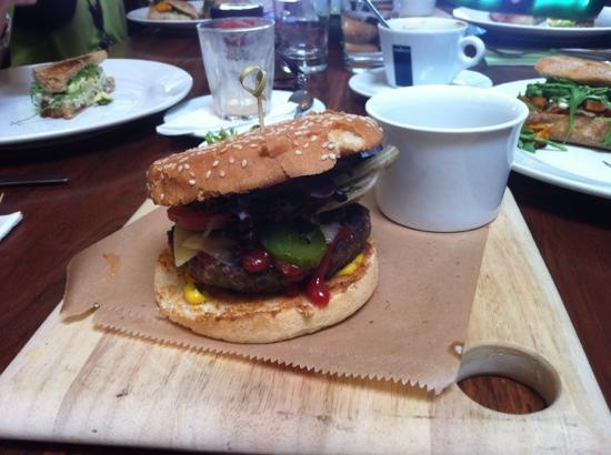 Say Grace Cafe & Larder: cheese burger