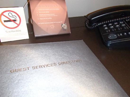 F1 Hotel Manila: working dresser