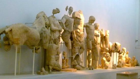 Katakolon Taxi - Ancient Olympia Day Tours: Pediments from the temple of Zeus showing Zeus.