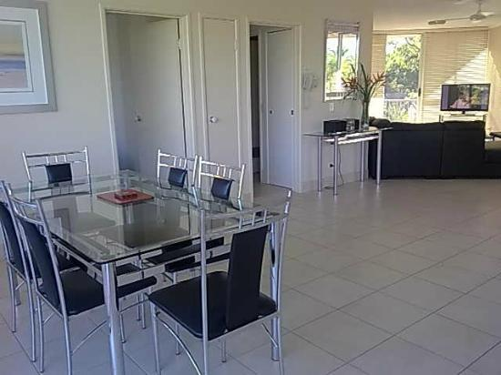Noosa Tropicana: Plenty of room in the apartment