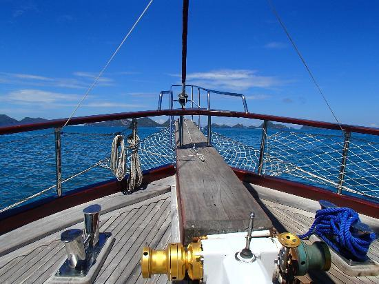 Boutique Yachting - Day Cruises & Private Charters: front of boat