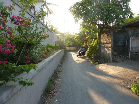 The quiet streets around Villa Bretani