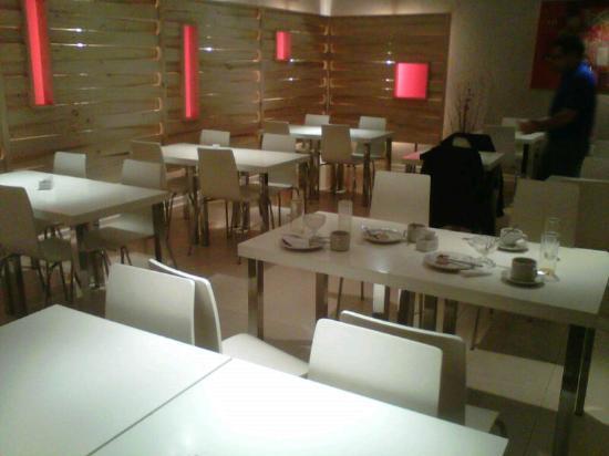 Monarca Hoteles: Detalle de las mesas