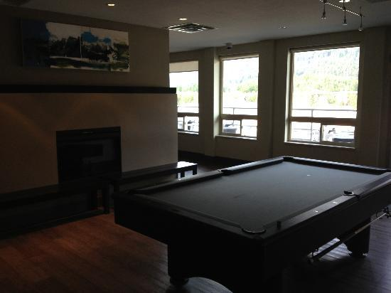HI-Whistler: Pool table